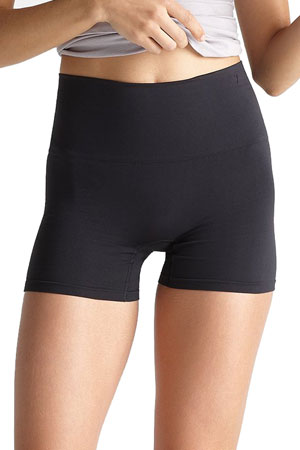 Yummie Ultralight Seamless Shaping Short (Black) by Yummie by Heather Thomson