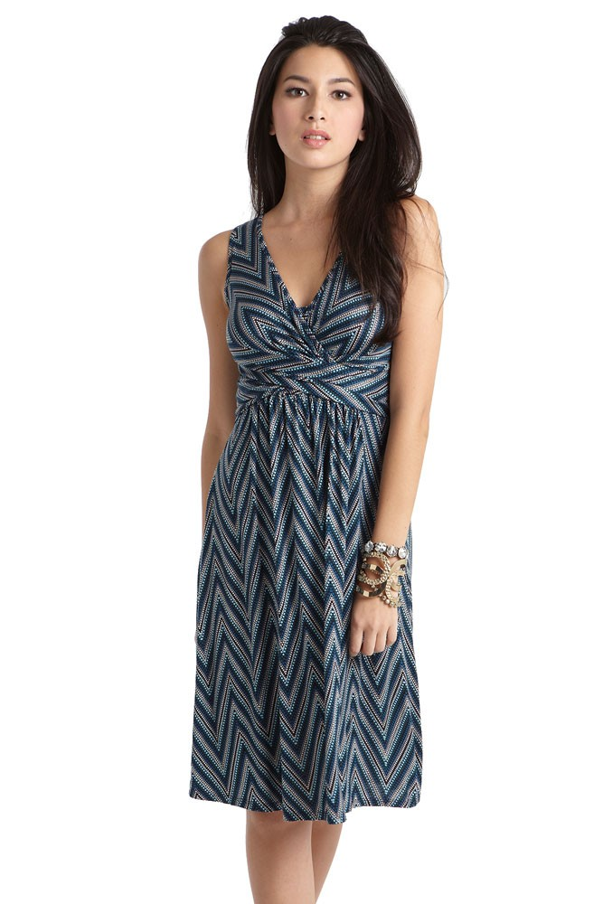 Ava Sleeveless Wrap Maternity & Nursing Dress (Dotted Zig Zag)