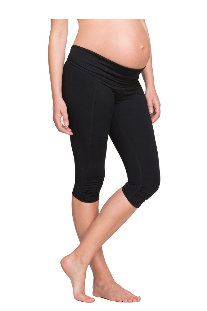 Ingrid & Isabel Active Knee Length Maternity Pant (Jet Black)