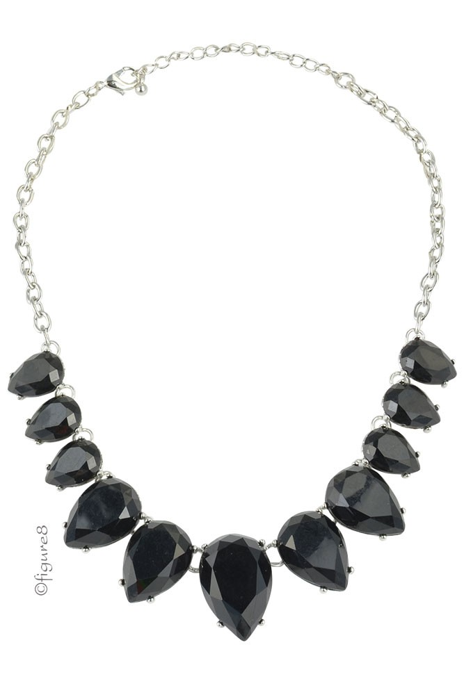 Black Teardrop Necklace (Black)